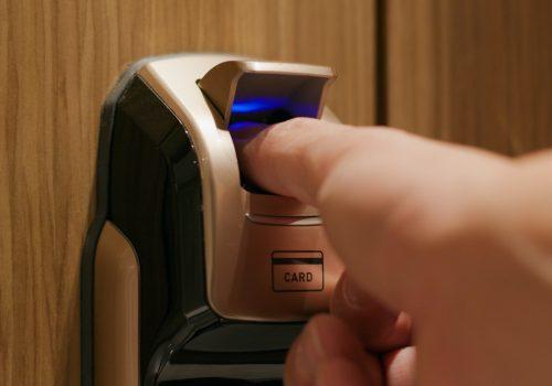 Man use of fingerprint door lock